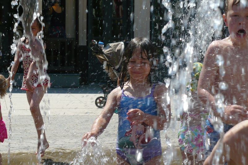 Summer at the fountain 013